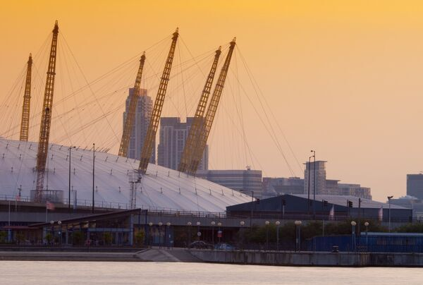 UK, England, London, Royal Victoria Dock and O2 Arena (Millennium Dome)
