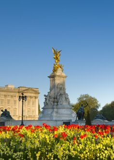 UK, London, Buckingham Palace, Spring